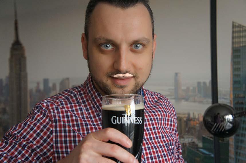 Wąsy z piany Guinnessa
